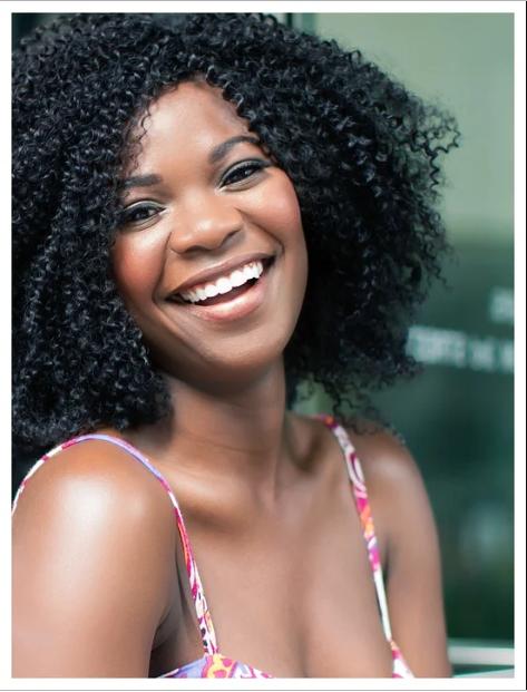 Носогубные складки на коже заметны во время смеха